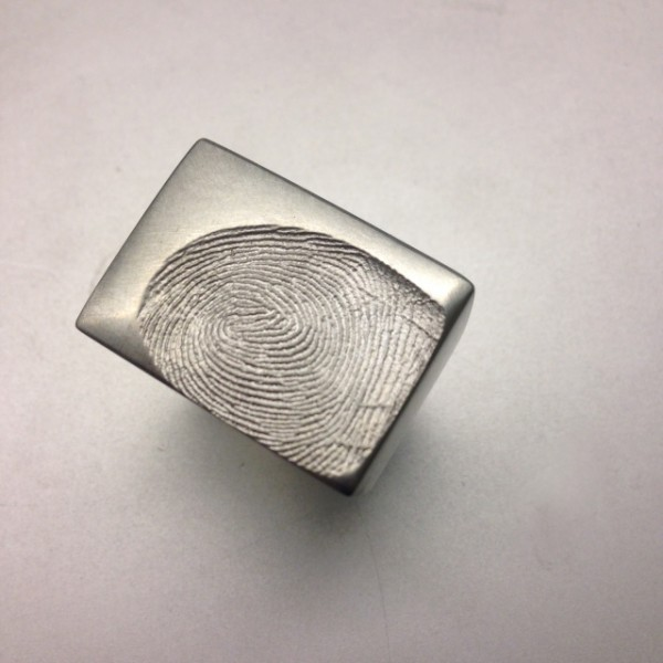 Platinring mit Fingerprint